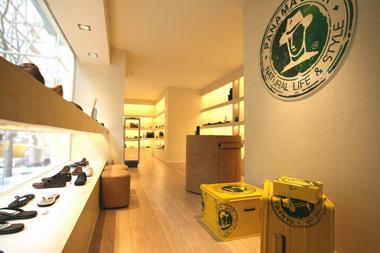 eec41597ab0 PanamaJack_Hermosilla En la emblemática calle Hermosilla de Madrid, la  firma Panama Jack abre una nueva tienda.