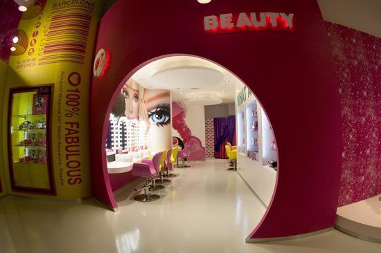 Barbie inaugura su primera tienda de Europa en Barcelona.