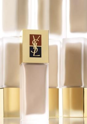 Ganadoras del fondo de maquillaje Teint Resist de Yves Saint Laurent.