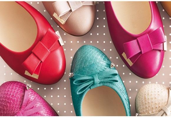 Sneakers y bailarinas, el calzado cómodo de la temporada