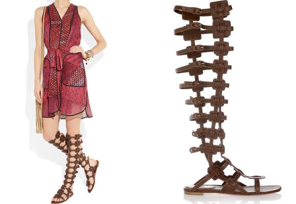 Sandalias romanas por la rodilla